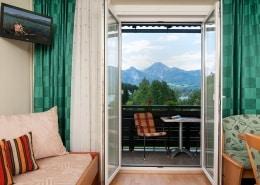 Apartment Berg und Seenwelt mit Balkon und Essbereich