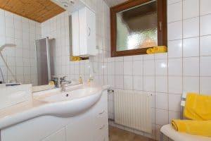 Badezimmer mit Waschbecken Apartment Morgensonne