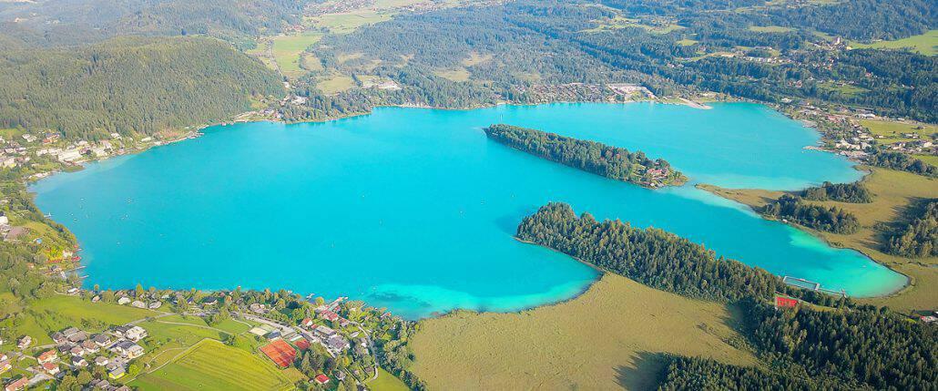 Faaker See aus der Luft. Luftbild